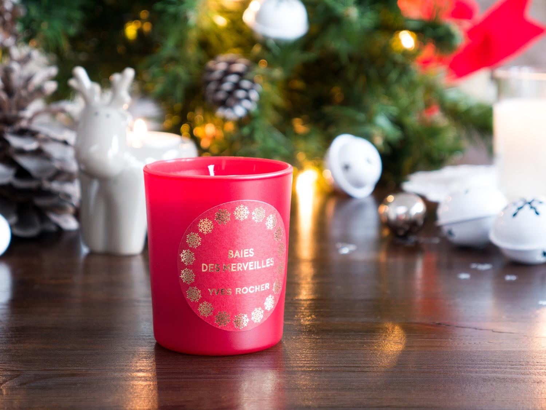 Yves Rocher kolekcja świąteczna owoce leśne oraz wanilia i bergamotka świeczka zapachowa